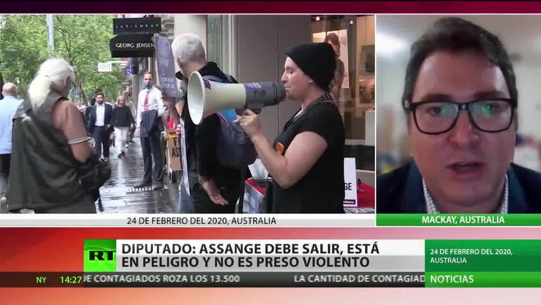 Diputados australianos exigen el arresto domiciliario para Assange