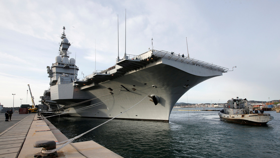 Ponen en cuarentena a 1.900 marinos del portaviones francés Charles de Gaulle, tras registrarse 50 casos de coronavirus a bordo