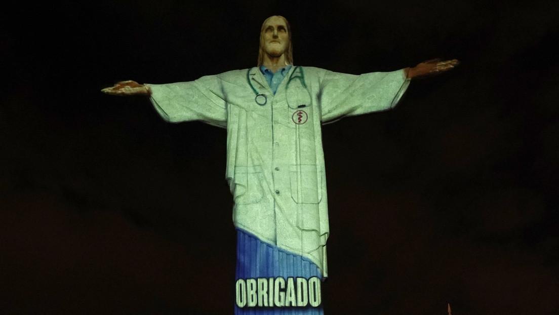 Cristo Redentor de Brasil rinde homenaje a los médicos del mundo