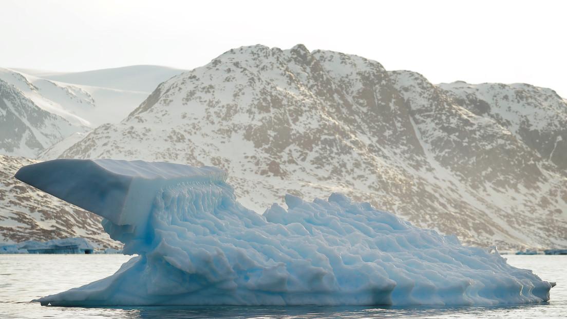 La capa de hielo de Groenlandia pierde miles de toneladas y registra uno de sus peores años