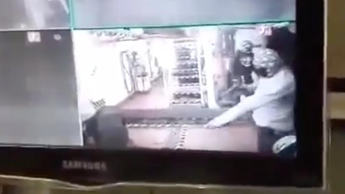 Piratas abordan un barco italiano en el golfo de México y toman rehenes a punta de pistola (VIDEO)