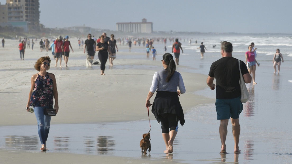 FOTOS: Las playas de Florida se llenan de personas pese al avance del coronavirus en EE.UU.