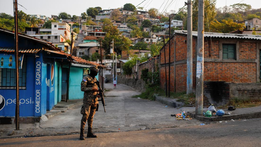 """""""La situación de algunas ya es de hambre"""": las trabajadoras sexuales en El Salvador, las olvidadas de la pandemia"""