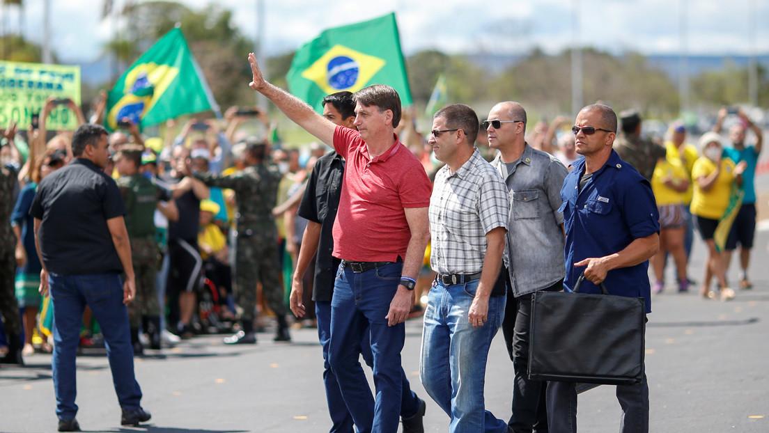 Bolsonaro ignora de nuevo la pandemia y participa en una manifestación que pide una intervención militar y el cierre del Congreso