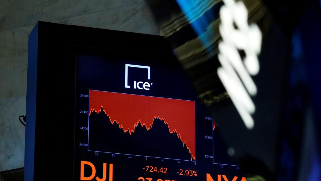 El Dow Jones pierde 500 puntos tras la caída del precio del crudo WTI