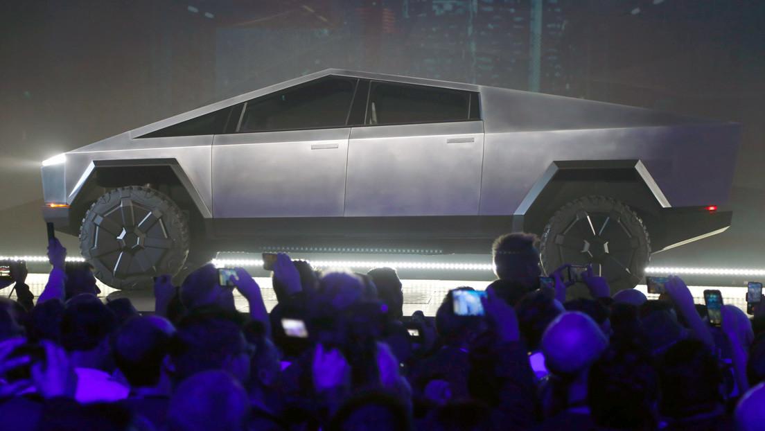 "Elon Musk asegura que la Cybertruck de Tesla será capaz de ""flotar un rato"""