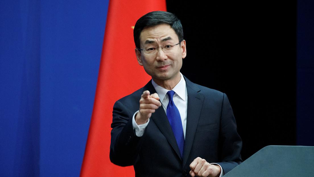 """""""China es también víctima del virus"""": Pekín insta a EE.UU. a dejar de culparlo por la pandemia"""