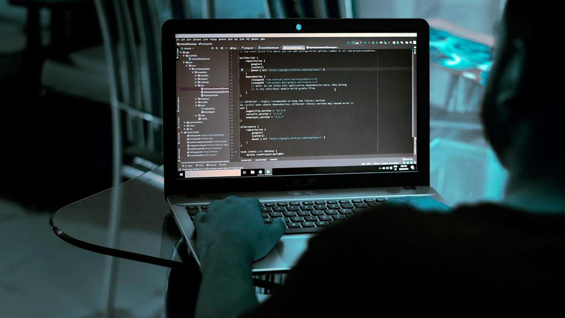 Un 'hacker' roba 25 millones de dólares, pero es obligado a devolverlos pocos días después