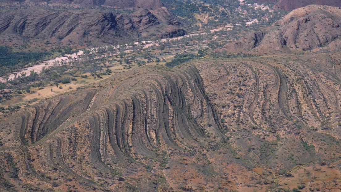 Hallan pruebas de que las placas tectónicas ya se movían cuando la Tierra era muy joven