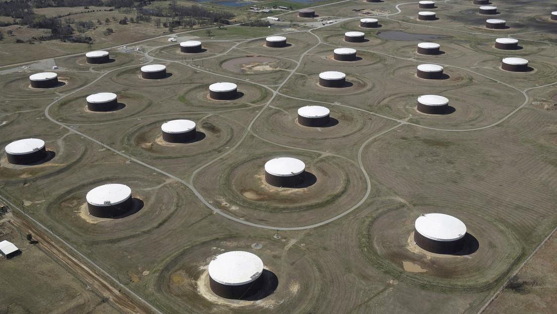 El precio del petróleo sube por tercer día consecutivo en medio de reportes de disminución de la producción y tensiones en Oriente Medio