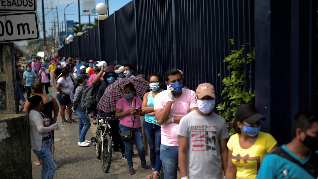"""""""No podemos permanecer encerrados en casa"""": Ecuador pasará del aislamiento al distanciamiento"""