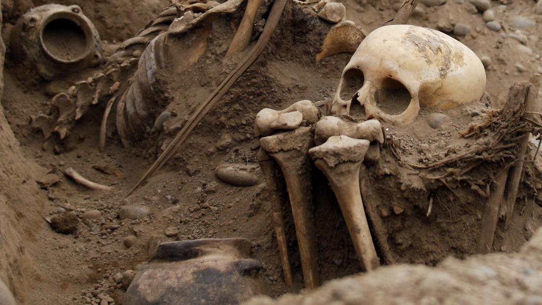 Encuentran en China un esqueleto sin cabeza y arrodillado que habría sido sacrificado en antiguos rituales (FOTO)