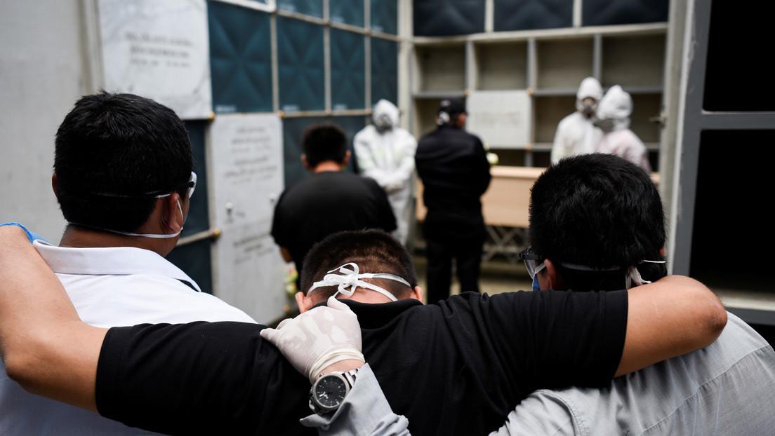 Cadáveres con paradero desconocido y vivos dados por muertos: persisten las denuncias en Ecuador por la gestión del gobierno