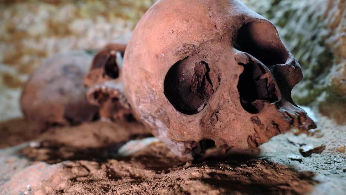 Resuelven el misterio de 3 esqueletos de hace 500 años hallados bajo Ciudad de México