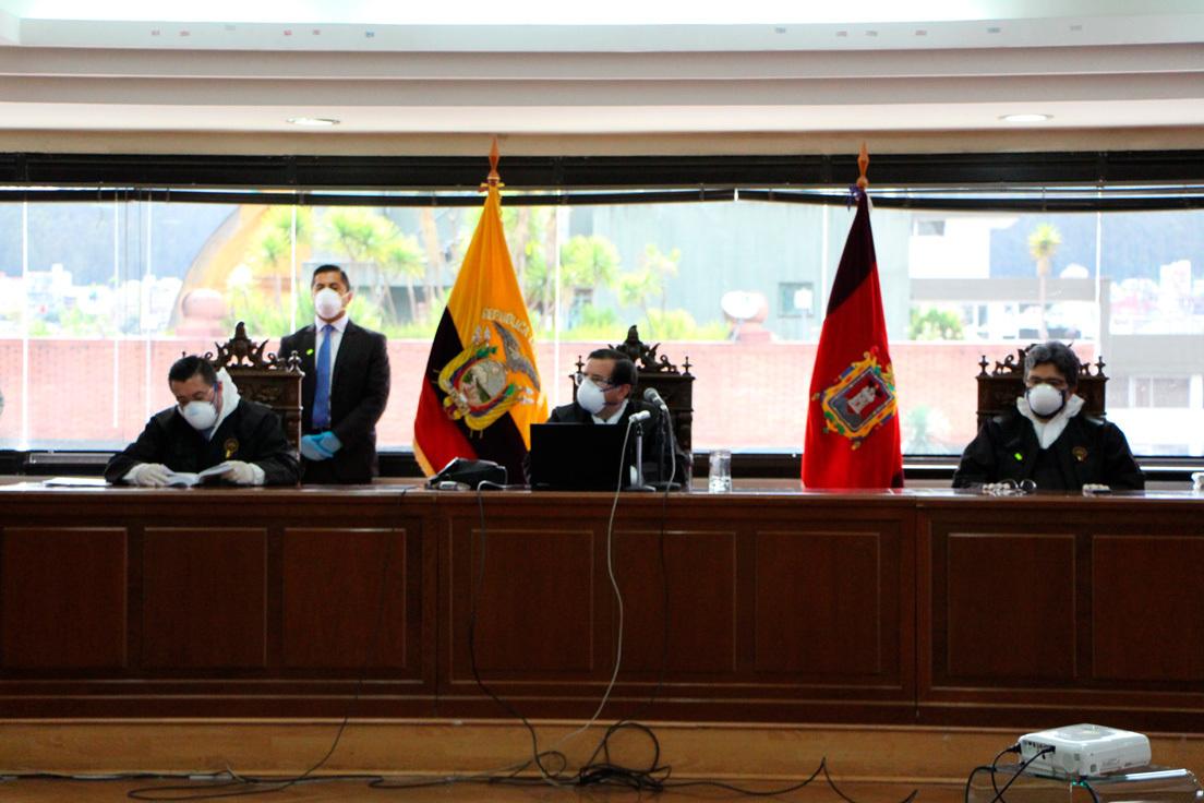 Condenan a Rafael Correa a ocho años de cárcel por cohecho agravado