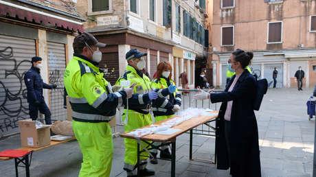 Italia recurre a presos para que fabriquen 400.000 mascarillas al día