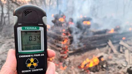 Los altos niveles de radioactividad en la zona de Chernóbil dificultan la extinción de un fuego activo durante 3 días (VIDEO)