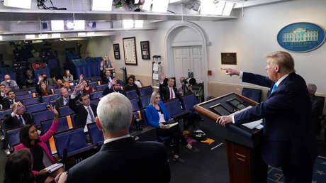 """""""No he dicho que lo vamos a hacer"""": Trump niega que EE.UU. deje de financiar a la OMS minutos después de anunciar """"una suspensión poderosa"""" de pagos"""