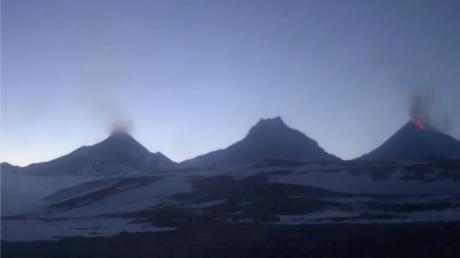 VIDEO: Filman la erupción del volcán activo más alto de Eurasia