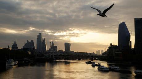 El número de muertos en el Reino Unido por el covid-19 supera los 16.000