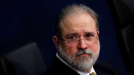 Fiscalía de Brasil exige investigar a Bolsonaro después de las denuncias de su saliente ministro de Justicia