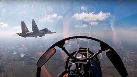 VIDEO: Aviación naval rusa realiza entrenamientos contra objetivos de superficie en el Báltico