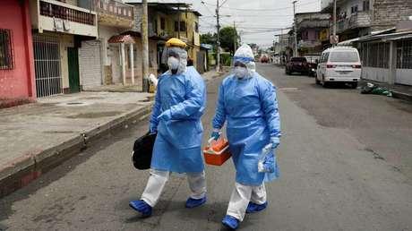 Ecuador reporta 2.353 fallecidos por covid-19 entre confirmados y probables y los contagiados se elevan a casi 25.000