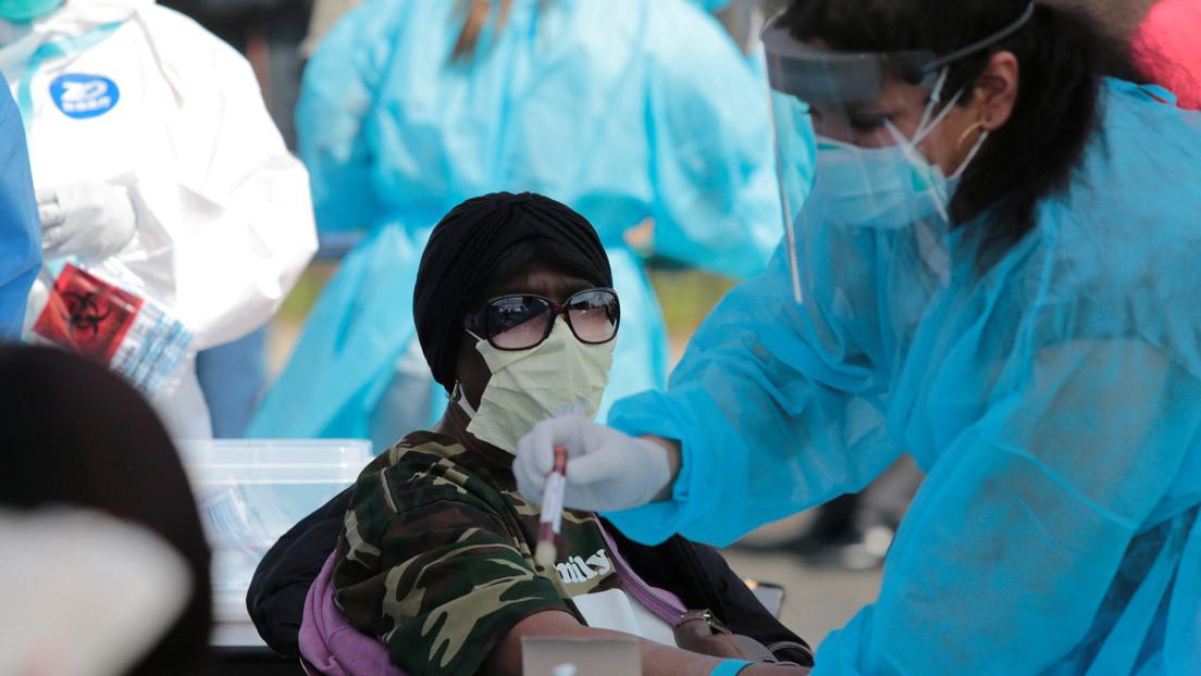 Científicos buscan desarrollar un tercer tipo de prueba más fácil y rápida para detectar el coronavirus