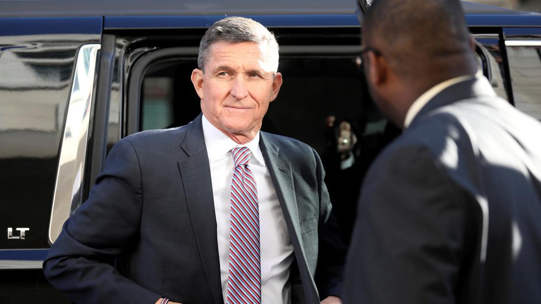 """Trump dice que """"ciertamente consideraría"""" reincorporar a su exasesor Michael Flynn a su Administración"""