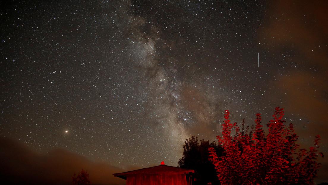 La lluvia de meteoros Eta Acuáridas ilumina el cielo
