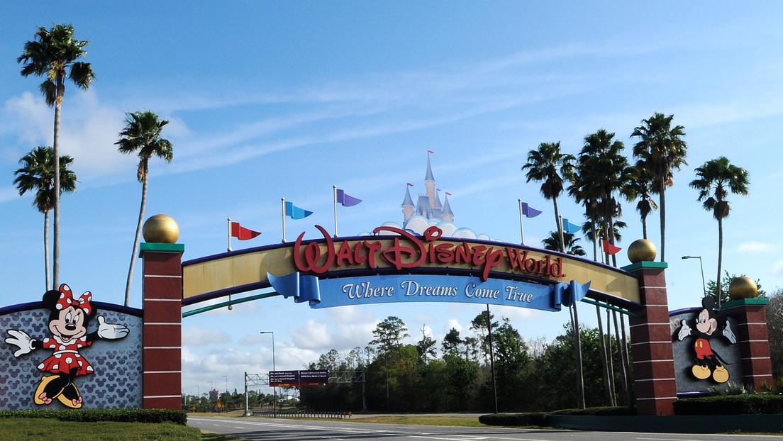 Arrestan a un hombre que acampó dentro de Disney World durante la cuarentena por el coronavirus