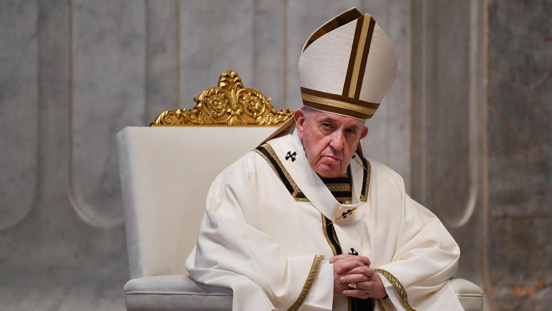 """El papa Francisco insta a """"unir las capacidades científicas"""" para encontrar vacunas para el covid-19"""