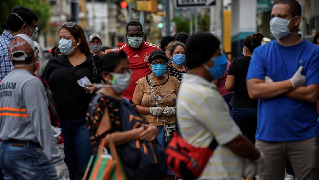Ecuador supera los 30.000 contagiados por coronavirus y la cifra de muertos sube a 2.905 entre confirmados y probables