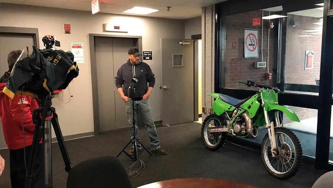 La Policía encuentra una moto robada y la devuelve a su propietario 27 años después