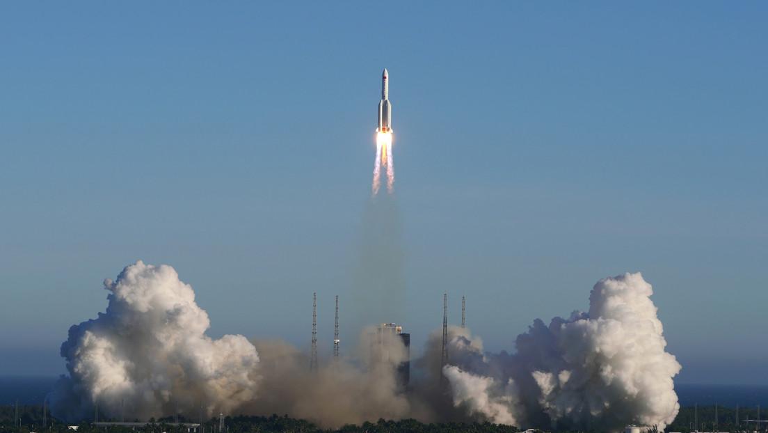 VIDEO: Un nuevo cohete portador chino realiza su primer vuelo exitoso y marca el comienzo de la construcción de una estación espacial nacional