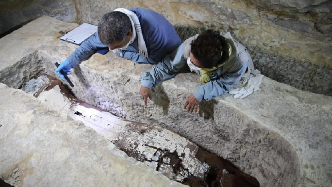 FOTOS: Descubren una cámara funeraria de 2.600 años de antigüedad en un conjunto de talleres de momificación en Egipto