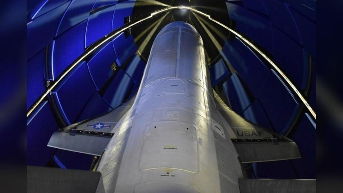 """El Pentágono anuncia el sexto lanzamiento de su nave espacial secreta X-37B, que realizará """"más experimentos"""" que nunca en órbita"""