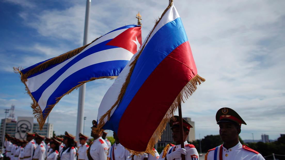 """""""Nos unen valores fundamentales"""": Rusia y Cuba celebran el 60.º aniversario de la restauración de sus relaciones diplomáticas"""