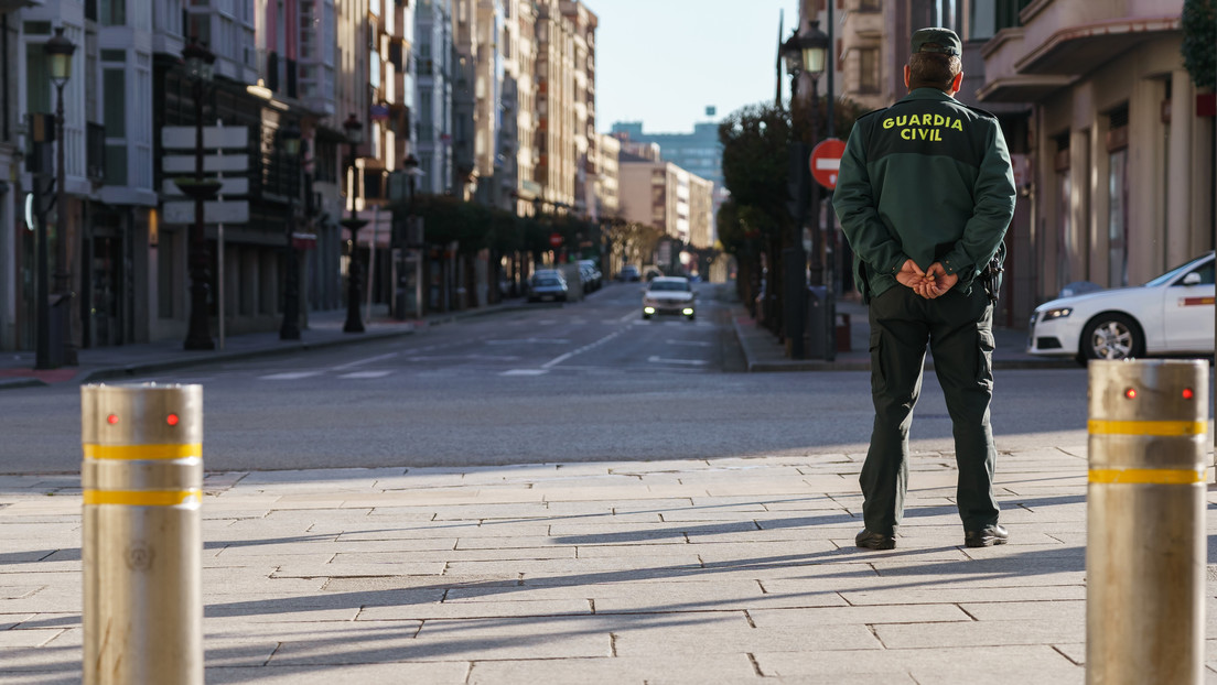 """Detienen en Barcelona a un seguidor """"profundamente radicalizado"""" del Estado Islámico que buscaba objetivos para atentar"""