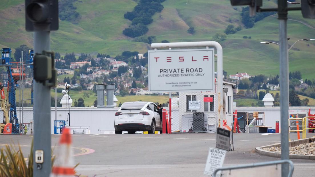 """Tesla comenzará """"operaciones limitadas"""" en su planta de California"""