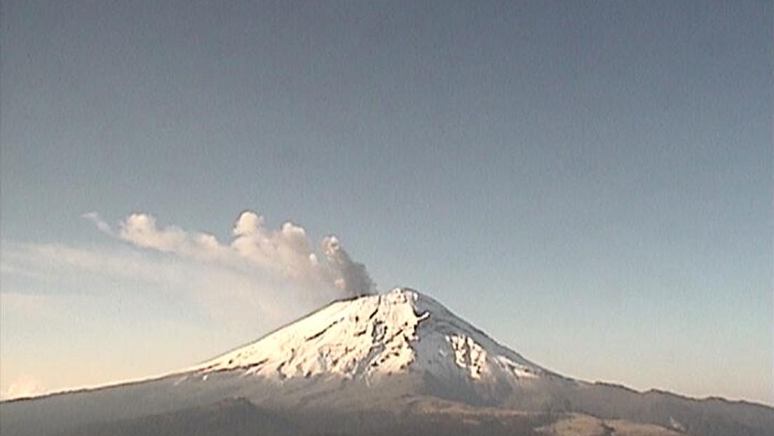 El volcán Popocatépetl registra más de 100 exhalaciones durante las últimas 24 horas