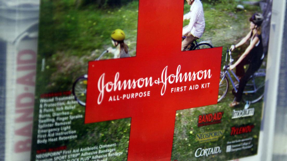 Johnson & Johnson planea fabricar mil millones de vacunas contra el covid-19