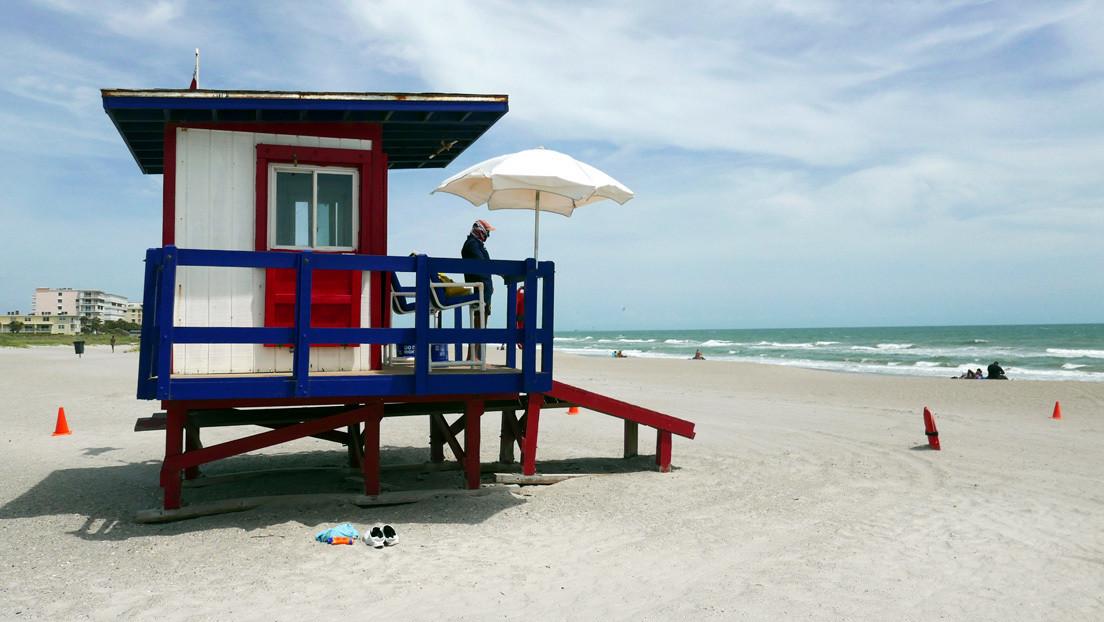Recogen 6 toneladas de basura en una playa de Florida semanas después de su reapertura