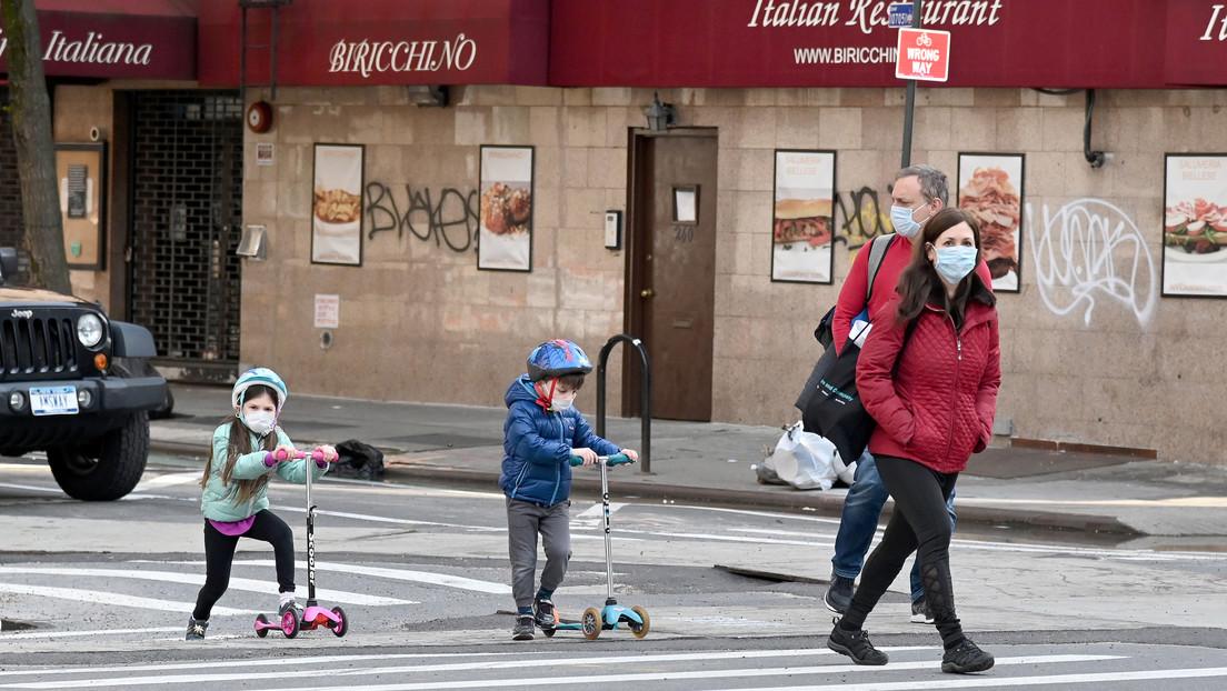 """""""Tomen esto en serio"""": Gobernador de Nueva York alerta sobre el raro síndrome inflamatorio que ya afecta a casi 100 niños"""