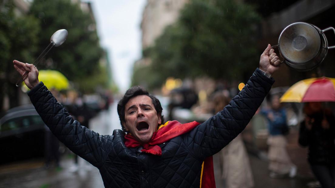 De las 'caceroladas' a las 'palogolfadas': los vecinos más ricos de Madrid burlan el confinamiento para protestar contra el gobierno