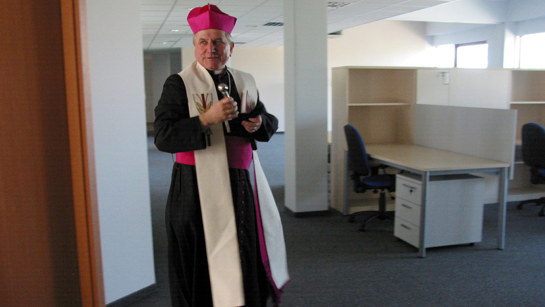 Arzobispo de Polonia pide al Vaticano que investigue a un obispo por ocultar casos de abuso sexual de niños