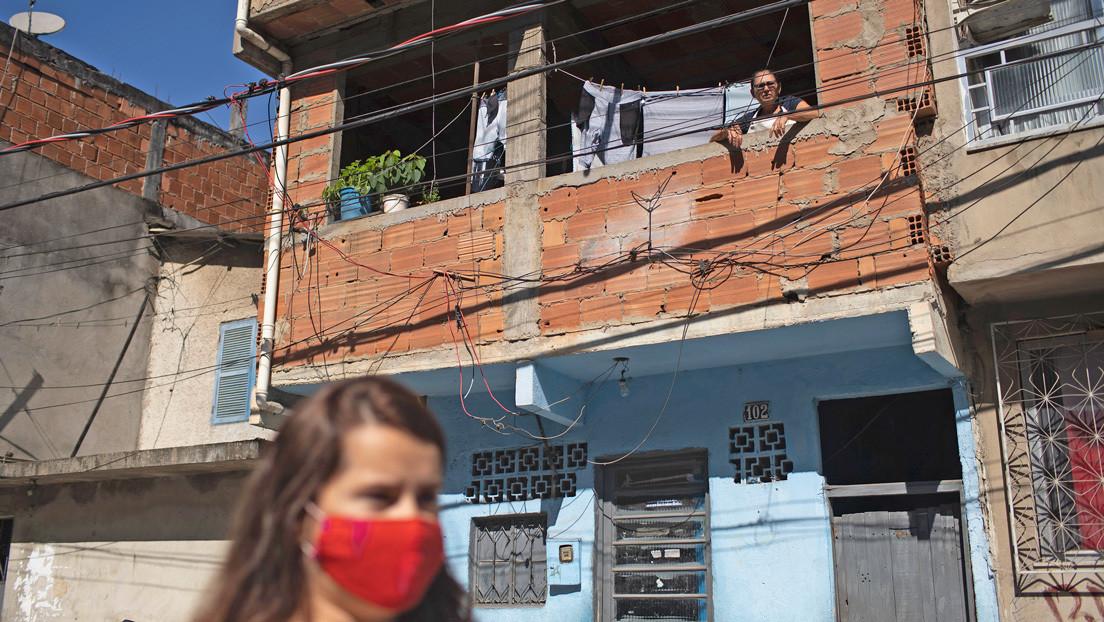 Vecinos de las favelas de Río se movilizan frente al coronavirus ante un Estado ausente