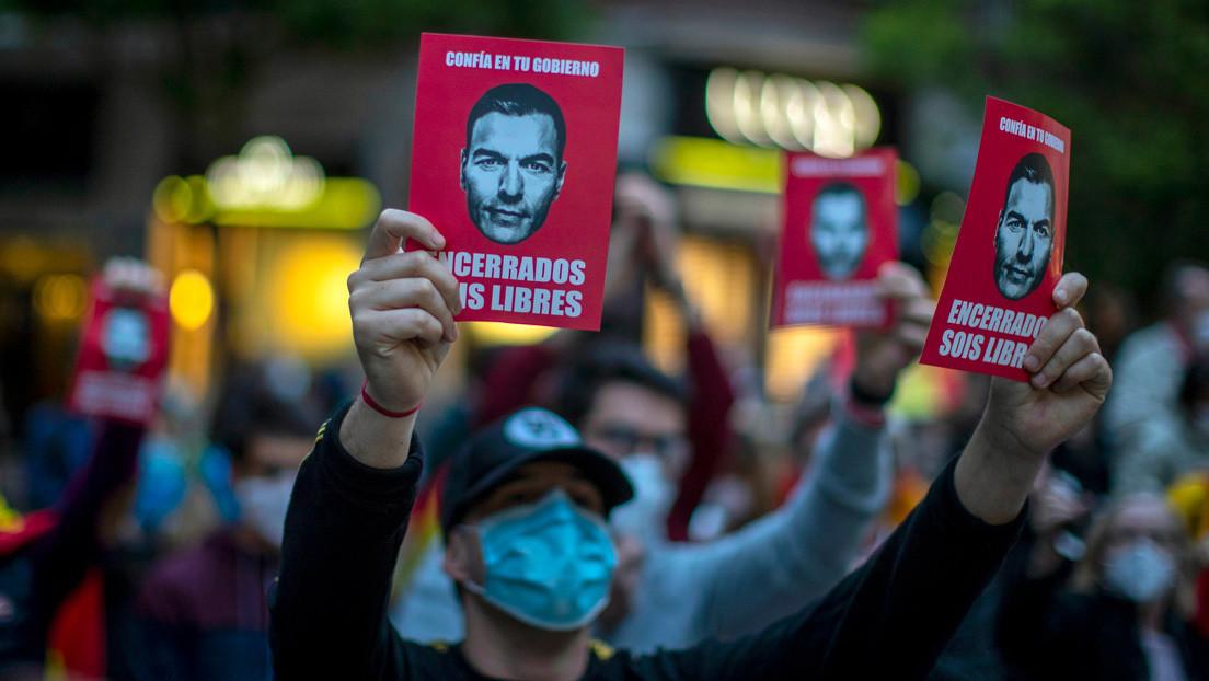 El Gobierno de España afronta críticas por la gestión de la crisis del coronavirus en medio de la desescalada