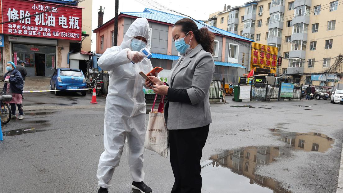 EE.UU. critica la ayuda de China a países afectados por la pandemia como intento de tapar su fracaso para alertar sobre el covid-19