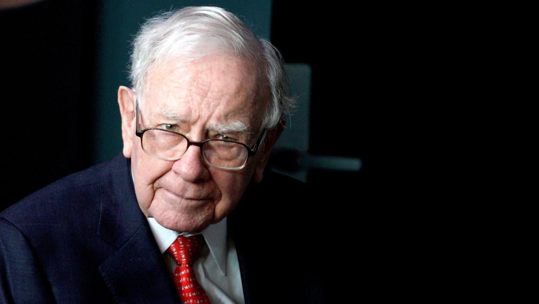 Cómo una empresa alemana habría defraudado a Warren Buffett por cientos de millones de dólares falsificando documentos en Photoshop